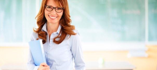 Como o plano de carreira pode promover a motivação dos professores?