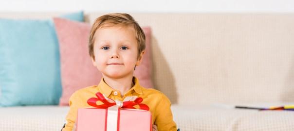 ate-quando-dar-presente-de-dia-das-criancas-para-o-seu-filho