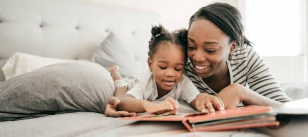 Por que devemos ler para os filhos? O desenvolvimento da criança