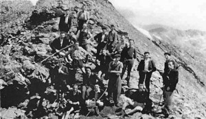 passeurs couseranais sur le Mont Valier