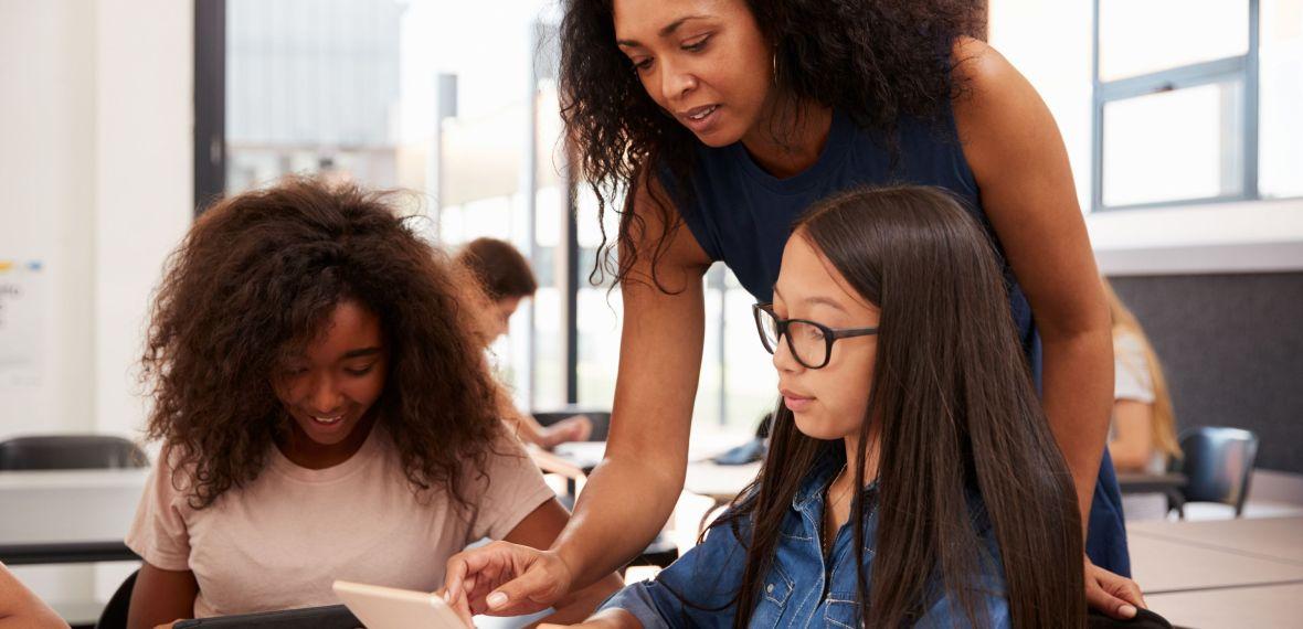 o papel do professor diante das novas tecnologias no processo educativo