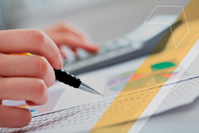 Gestão financeira escolar: aprenda a analisar métricas