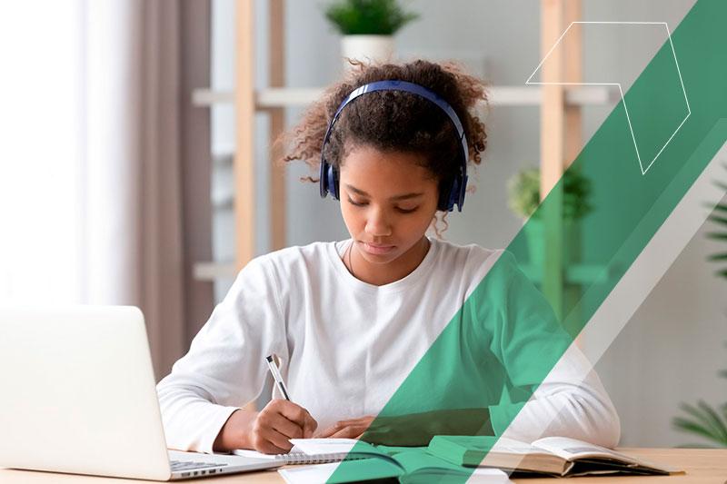 Ferramentas para estudar em casa:  12 apps que ajudam os alunos a se prepararem para o Enem