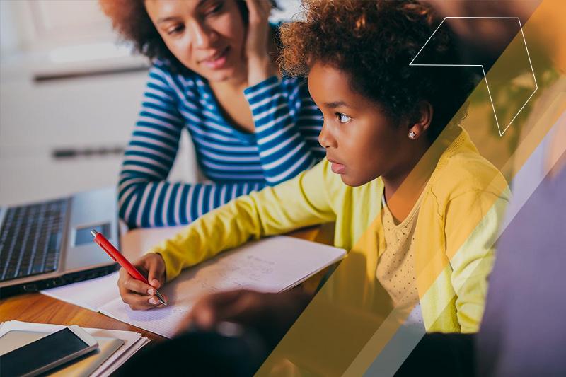 82% dos pais aprovam ensino remoto feito durante a pandemia, aponta pesquisa