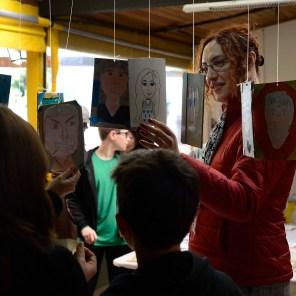 Mostra de Projetos do Ensino Fundamental, na sala de artes.