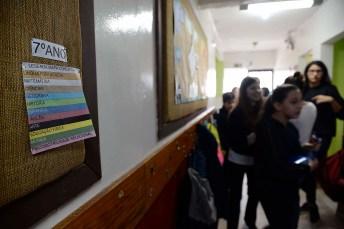 Mapas conceituais afixados no corredor do Ensino Fundamental