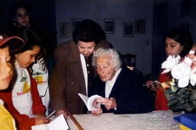 Visita à residência da poeta e professora paranaense Helena Kolody