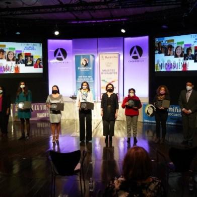 foto-grupal-premios-mujeres-migrantes-1