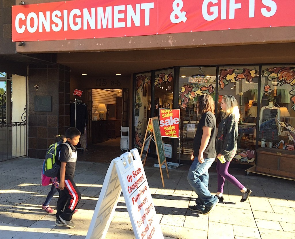 New2U Consignment Store from the outside.