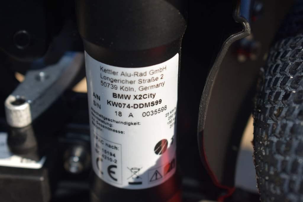 BMW X2 City Typenschild