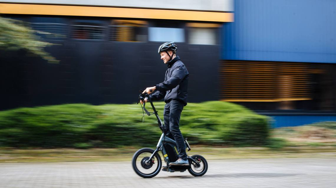 Steereon: E Scooter mit Allradalenkung