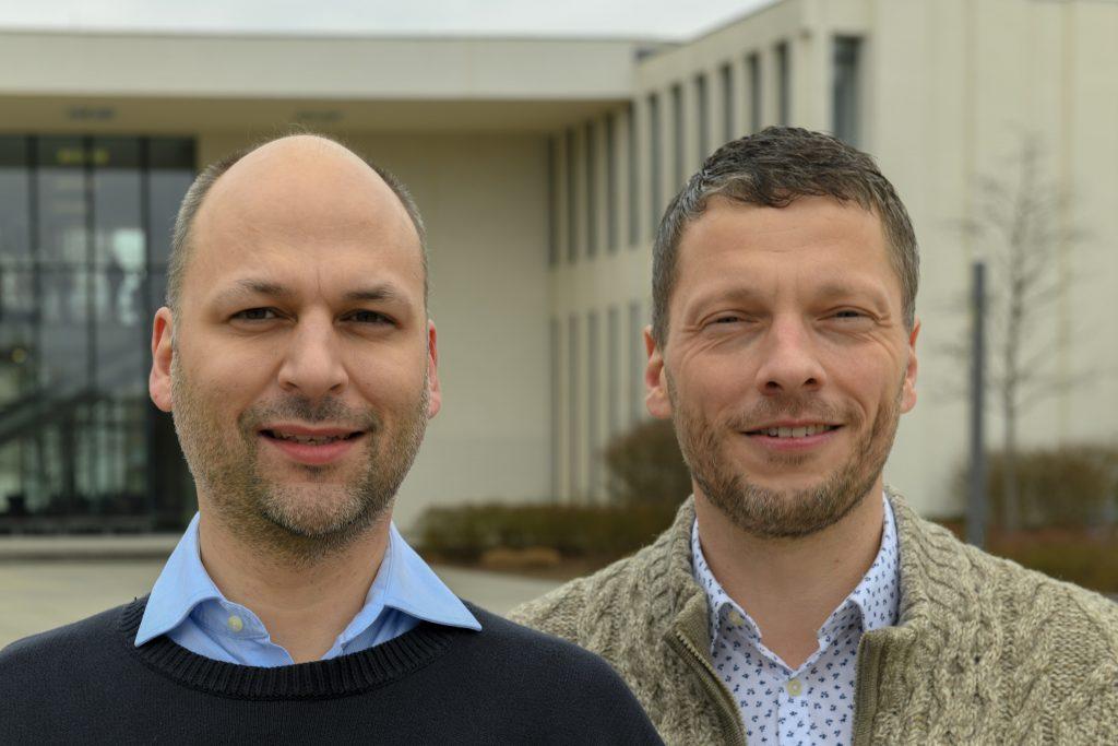 Ramón Goeden (l., Stelv. Vorsitzender) und Lars Zemke (r., Vorsitzender) von Electric Empire Bundesverband Elektrokleinstfahrzeuge e.V.