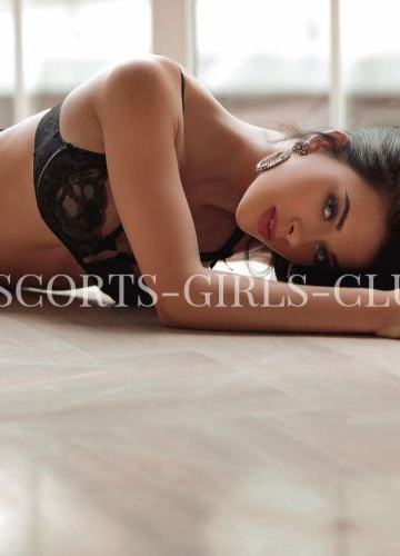RUSSIAN ESCORT GIRL SOFIA