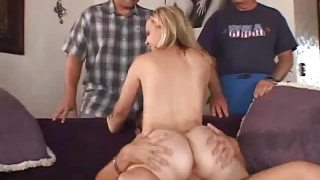 Blonde Swinger is Waiting for Cumshot
