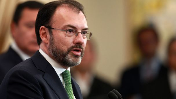 UIF CONFIRMA INVESTIGACIÓN CONTRA LUIS VIDEGARAY