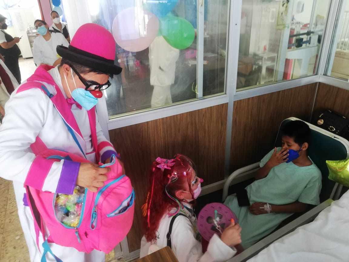 FESTEJAN EL DÍA DEL NIÑO EN HOSPITALES DEL IMSS