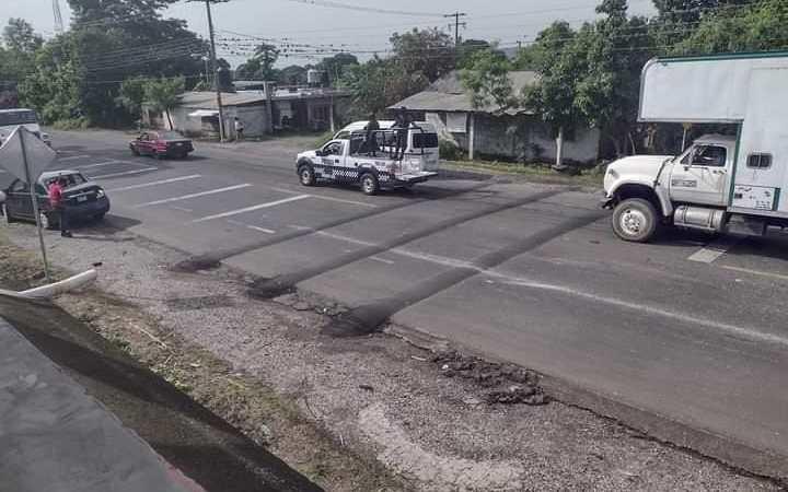 DOBLE ACCIDENTE EN VENTA PARADA A CAUSA DE TOPES 🚨🚨