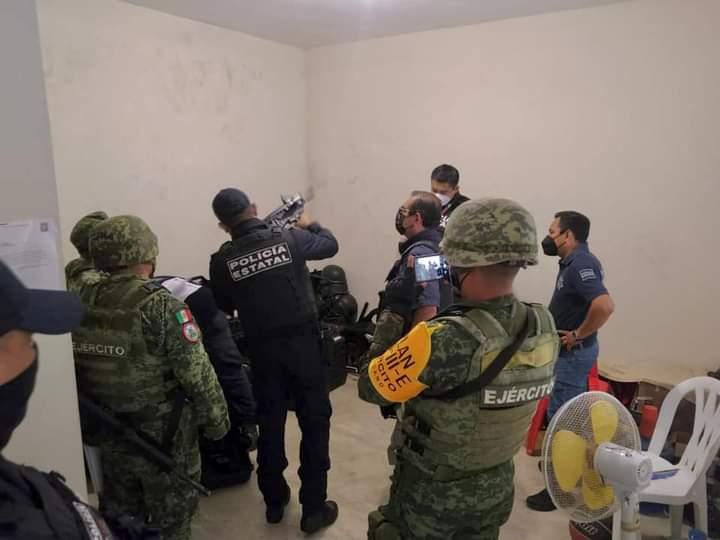 CONCENTRAN A POLICÍAS DE TIHUATLÁN EN XALAPA