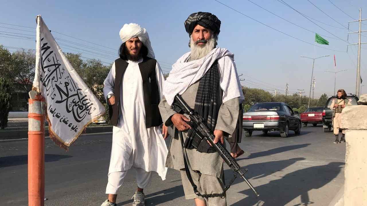BANCO MUNDIAL SUSPENDE AYUDA A AFGANISTÁN TRAS TOMA DEL PODER DE LOS TALIBANES