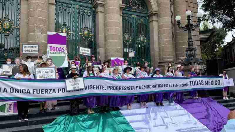 FEMINISTAS LANZAN LA FUERZA POLÍTICA 'TODAS MÉXICO'