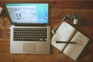 EscriboXti - foto portatil y libreta