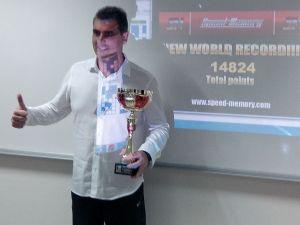 Ramón Campayo celebrando su récord