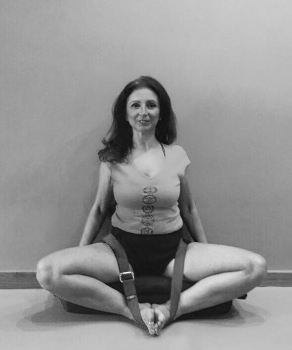 Taller de Yoga IYENGAR para MUJERES 12 de MAYO