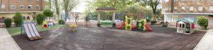 Patio exterior grande de la Escuela Infantil Booma en Talavera de la Reina