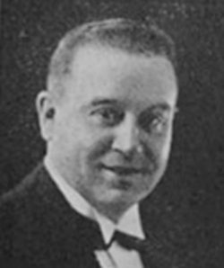 Adolfo Carabelli. Argentine music at Escuela de Tango de Buenos Aires.