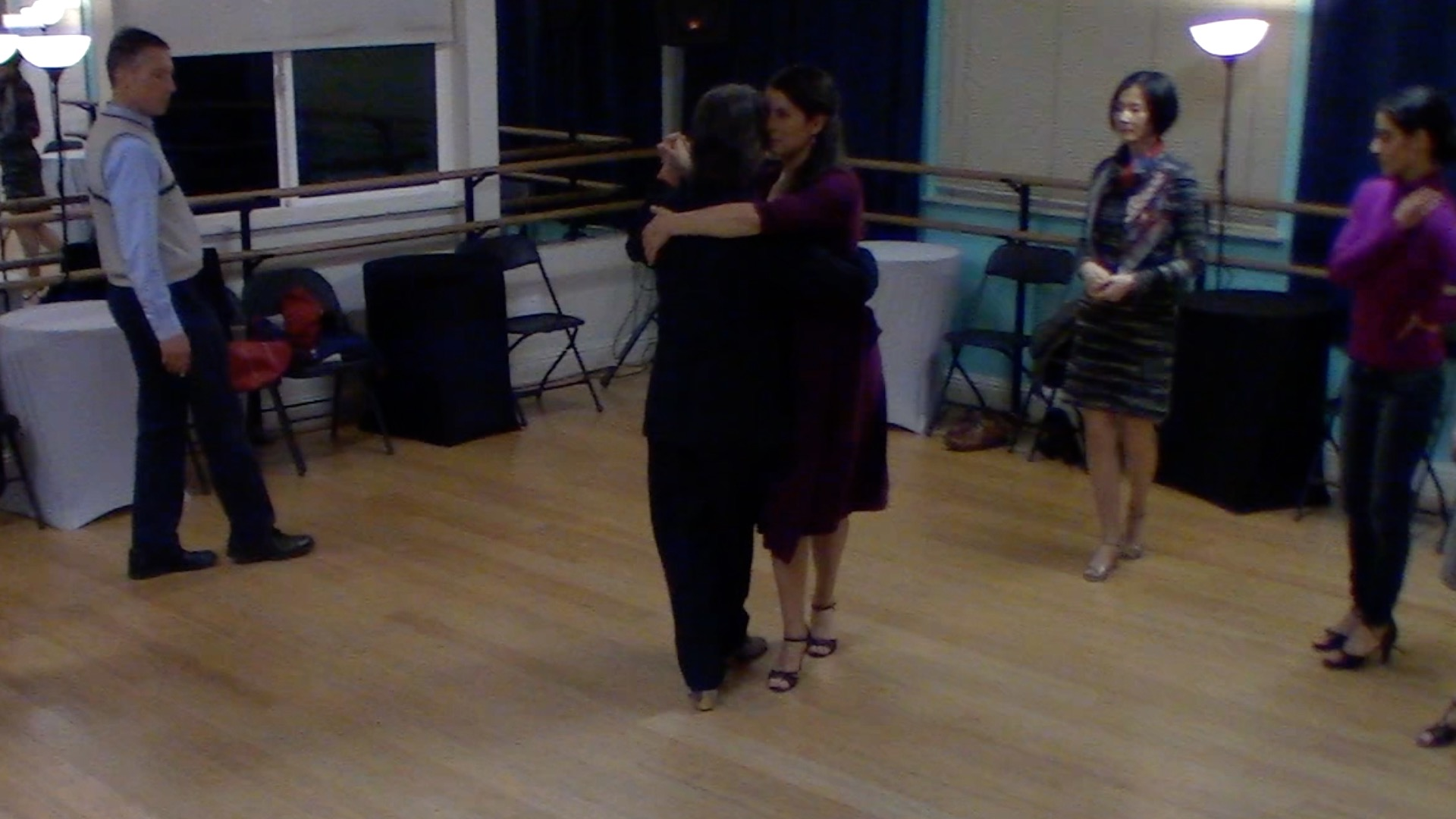 Argentine Tango beginner class with Mimi: forward-backward move