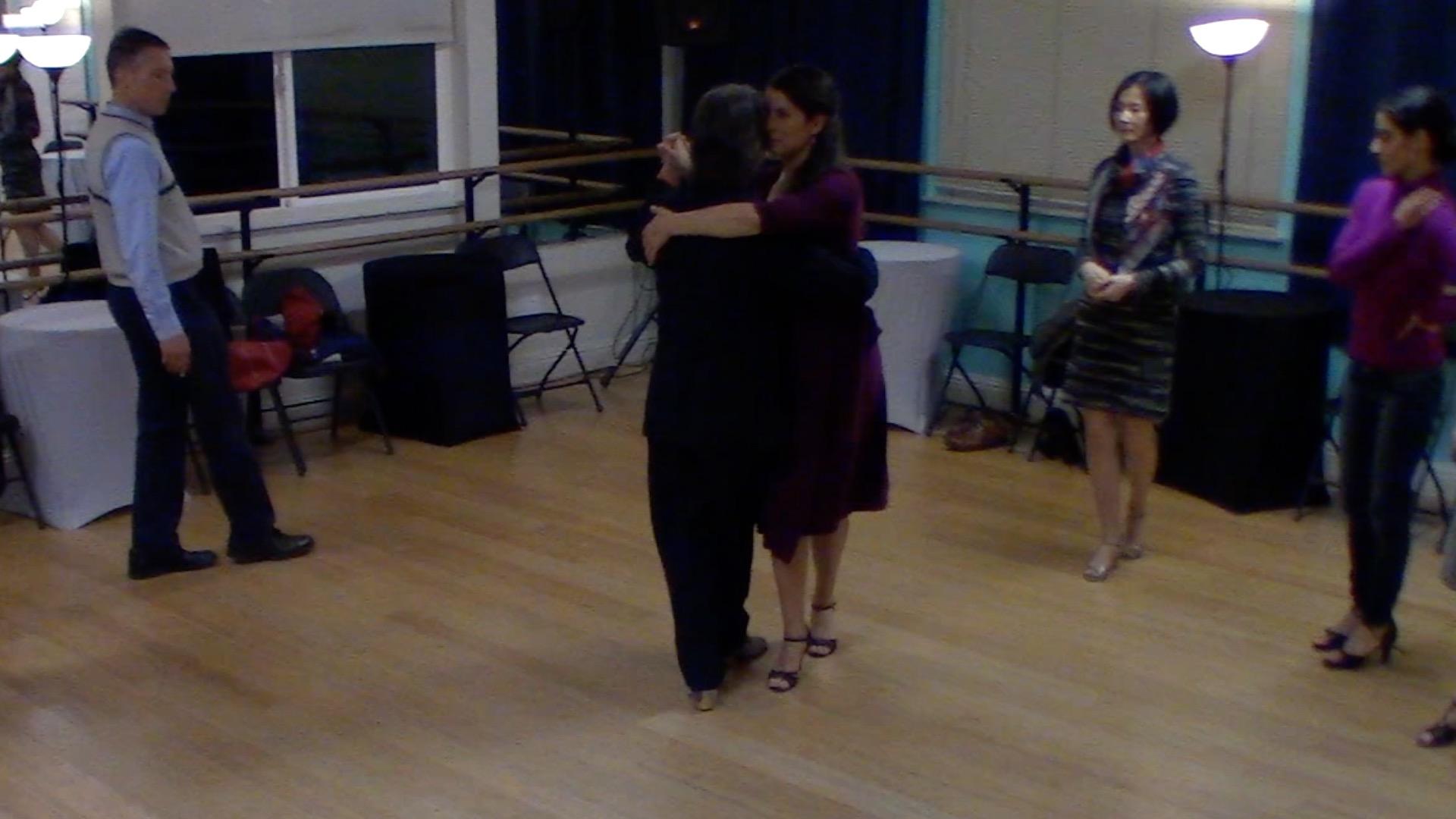 Argentine Tango beginner class with Mimi: forward-backward move