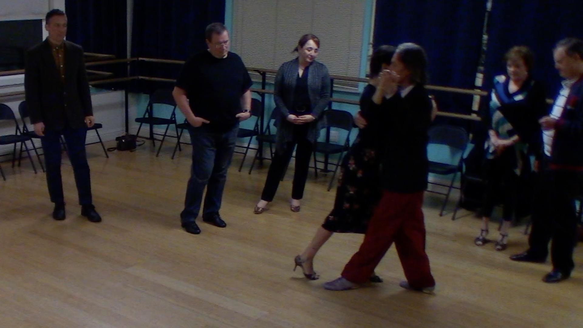 Argentine Tango beginner class with Miranda: forward-backward move