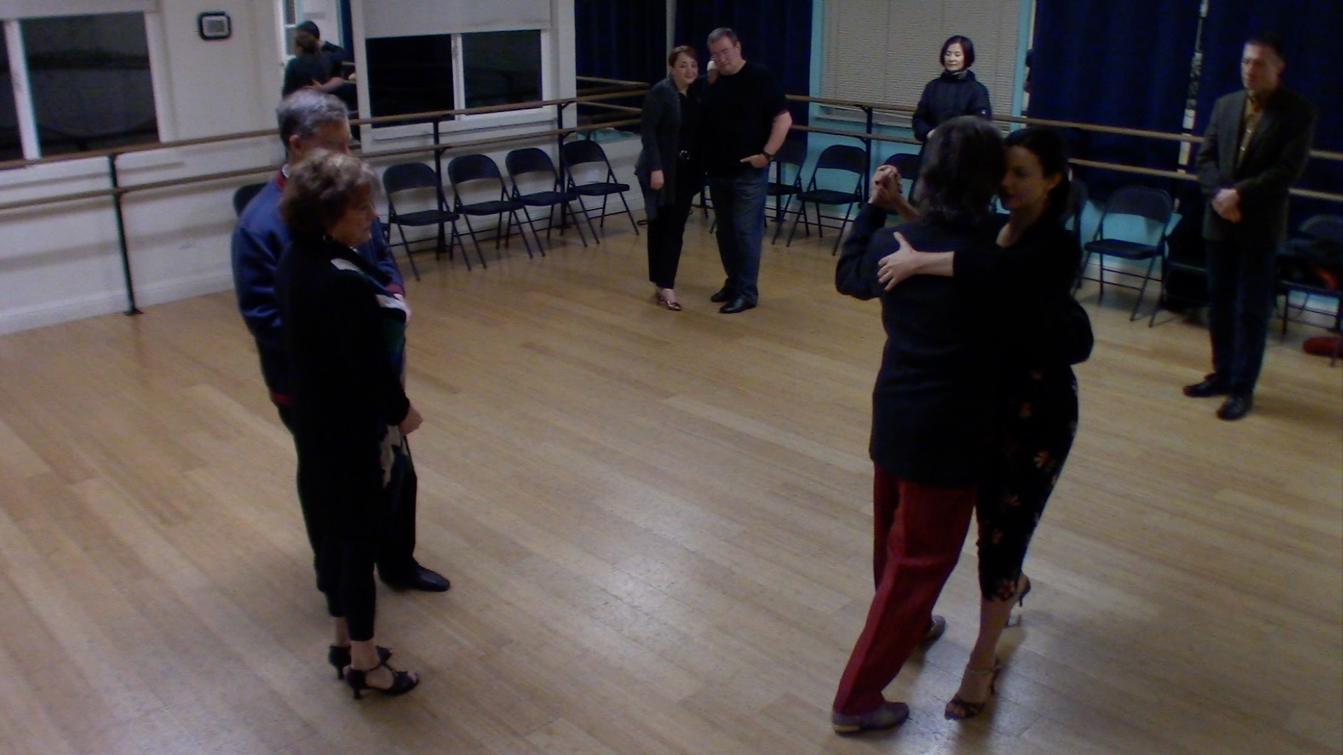 Argentine Tango beginner class with Miranda: walking and systems