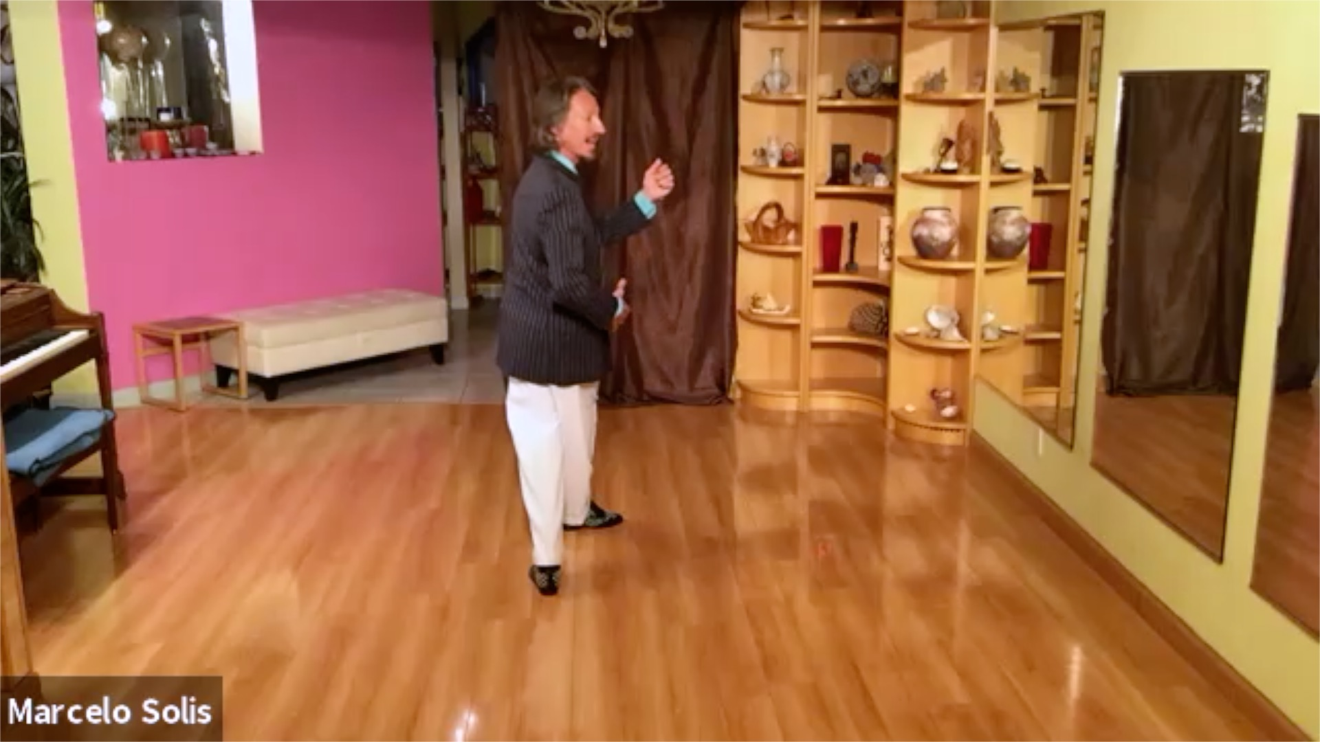 Argentine Tango class: the washing machine sequence leader's and follower's footwork with Marcelo Solis