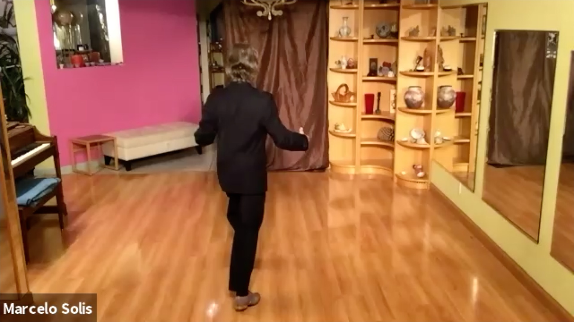 Argentine Tango class: slow step and follower's embellishment