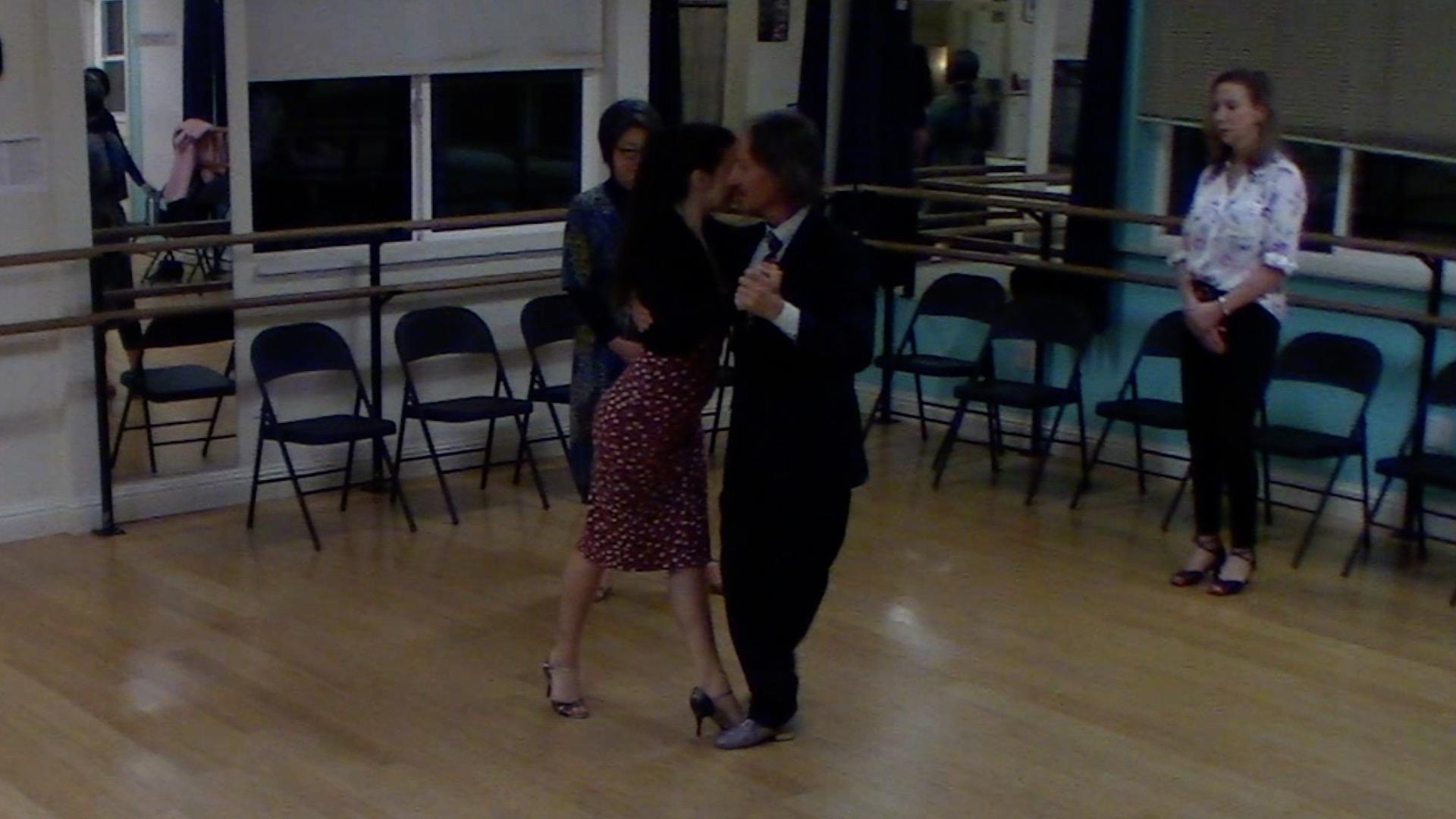 Argentine Tango intermediate class with Miranda: change of direction and forward ochos