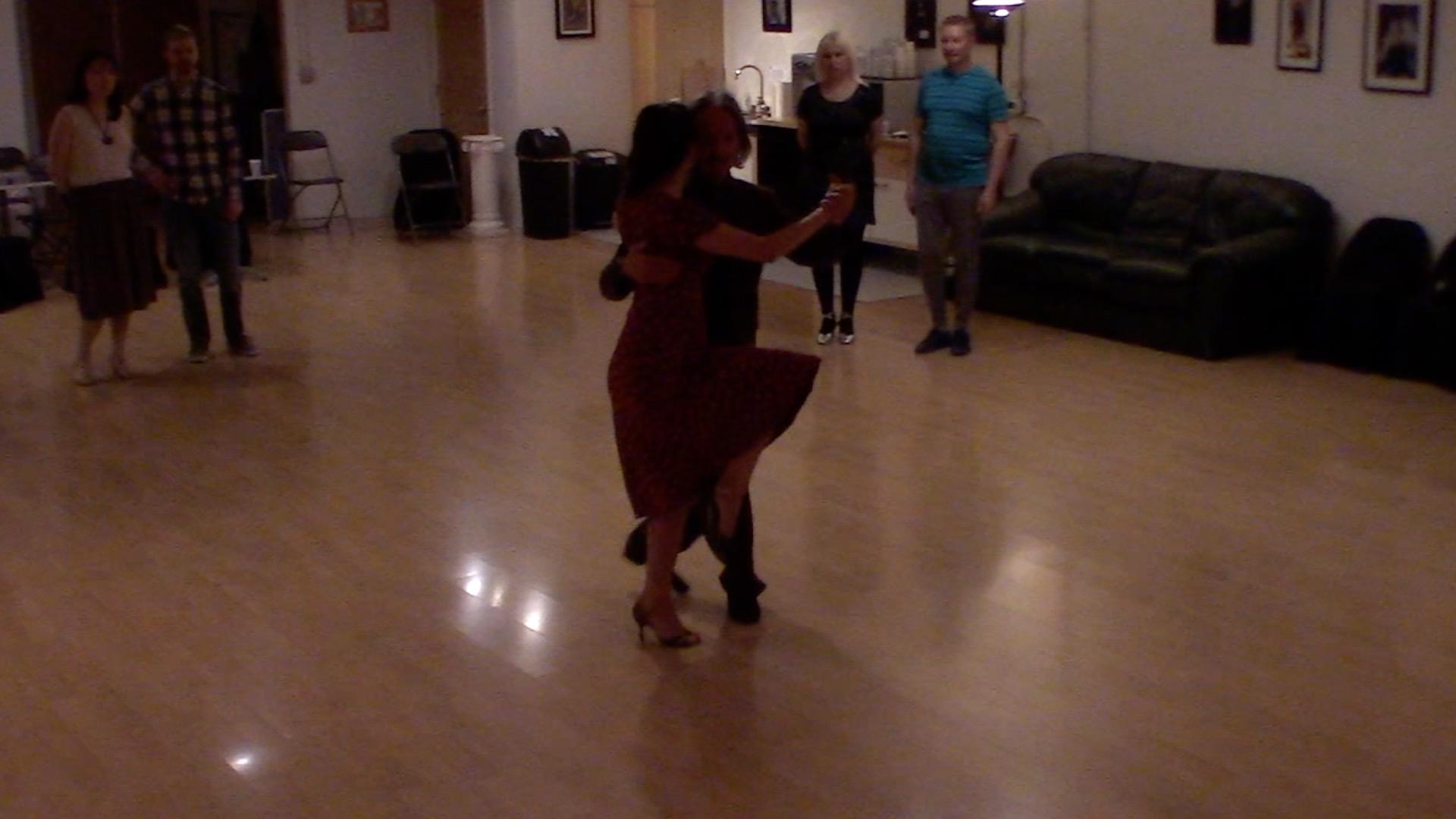 Argentine Tango intermediate class with Miranda: forward-backward move, pause, forward ocho, calecita.