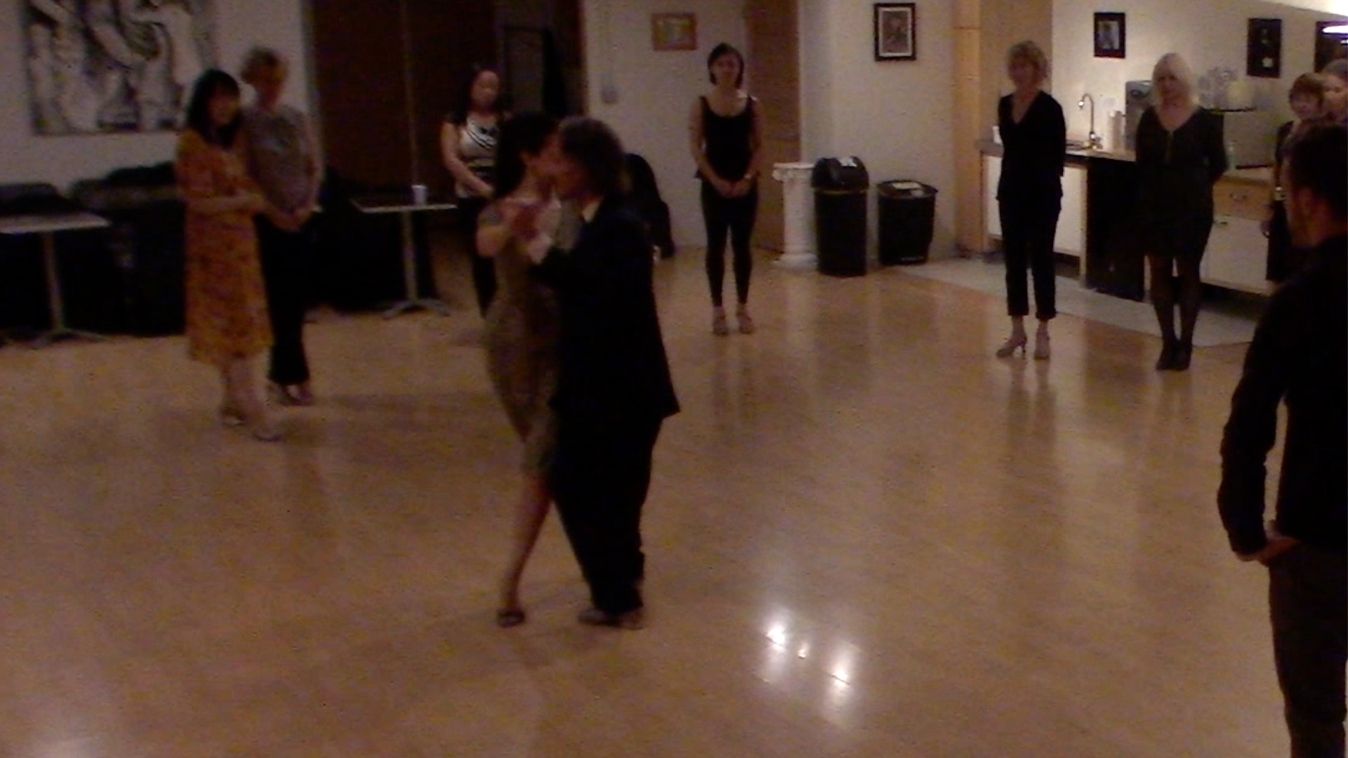 Argentine Tango intermediate class with Miranda: forward ocho sequence with sacada