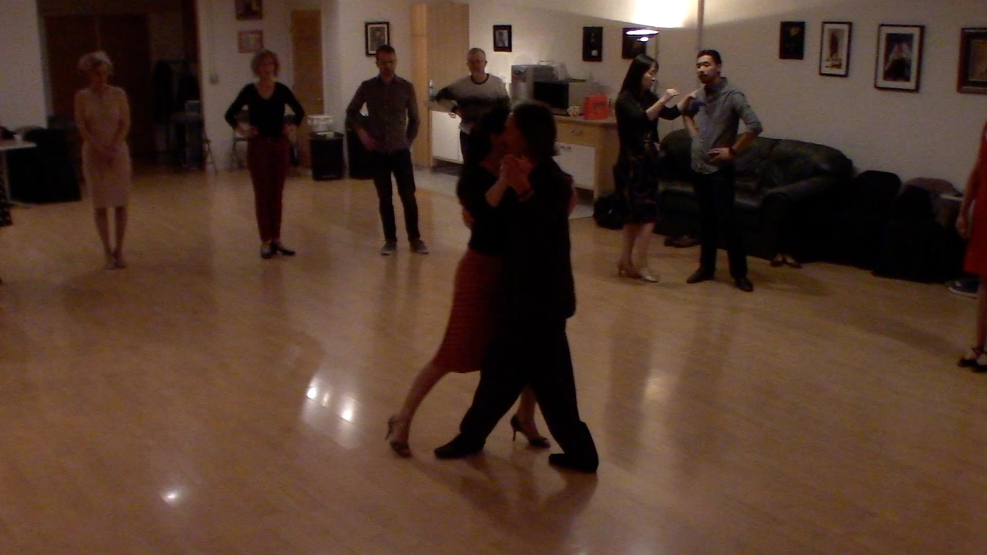 Argentine Tango intermediate class with Miranda: slow in 3 combinations