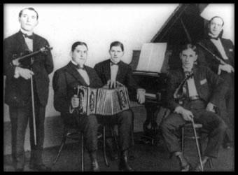 Augusto Berto y su Quinteto. Argentine music at Escuela de Tango de Buenos Aires.