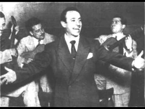 Carlos Acuña. Argentine music at Escuela de Tango de Buenos Aires.