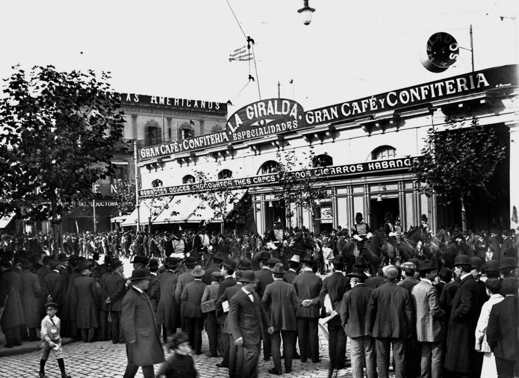 Confiteria La Giralda, where La Cumparsita was premiered in 1916.