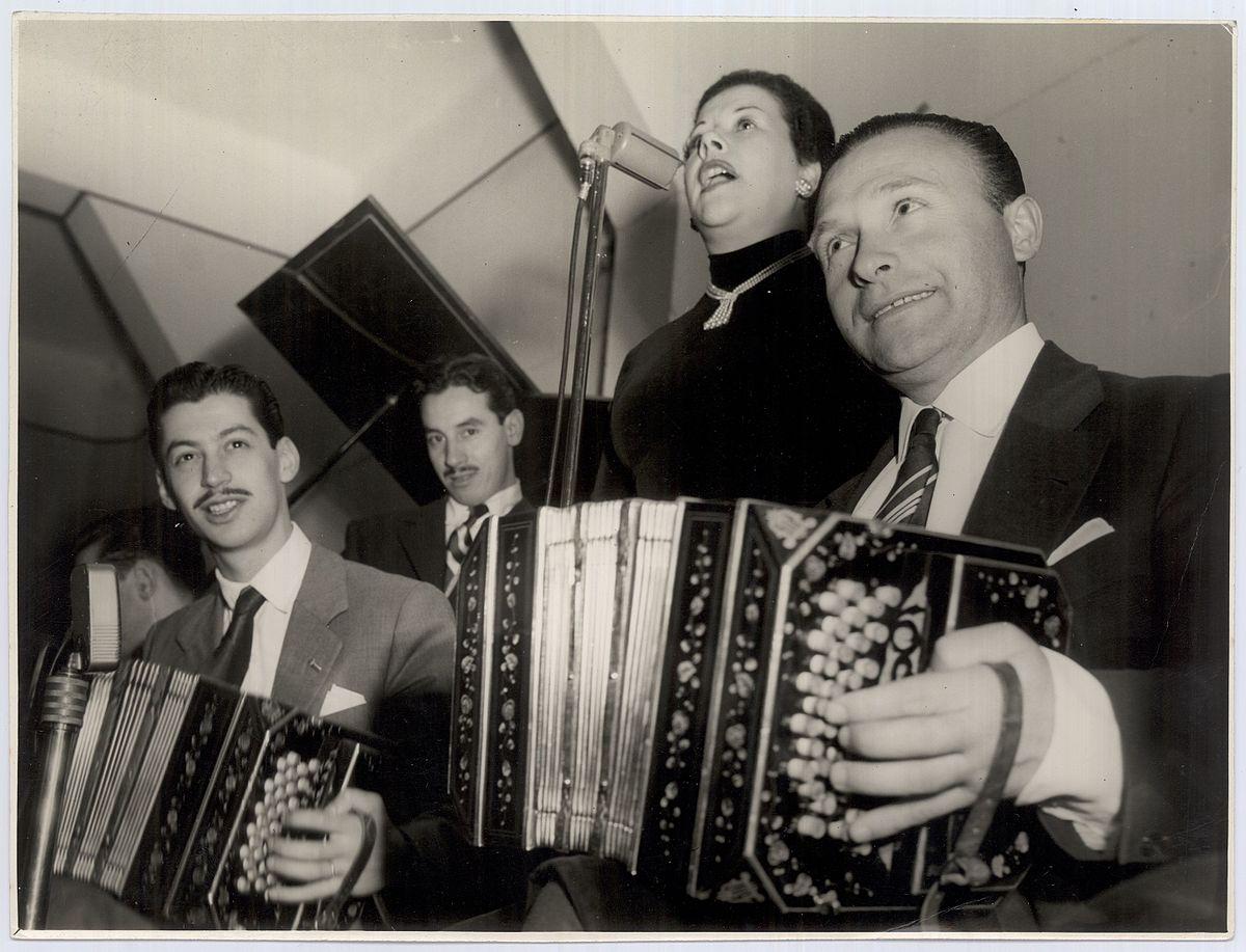 Donato Racciatti. Argentine music at Escuela de Tango de Buenos Aires.