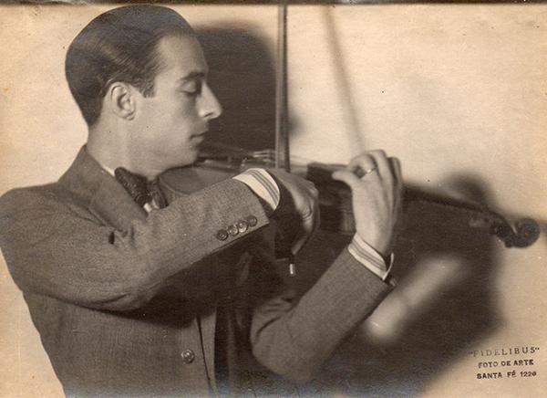 Elvino Vardaro, Argentine Tango musician, leader and composer.