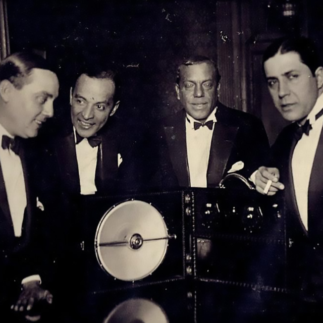 Guillermo Barbieri with Carlos Gardel and other musicians. Argentine Tango music.