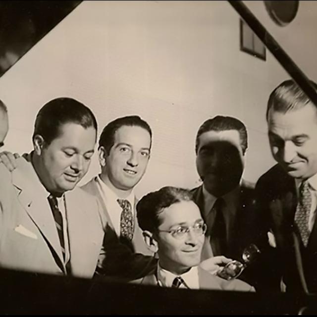 Osvaldo Pugliese, Anibal Troilo, Floreal Ruiz, Ricardo Tanturi, and other Argentine Tango artists.