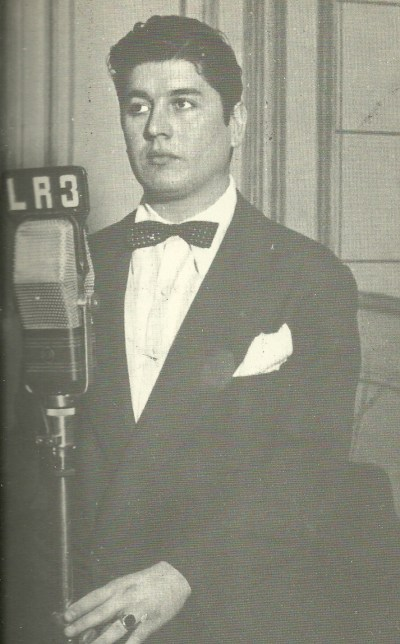 Raul Beron. Argentine music at Escuela de Tango de Buenos Aires.