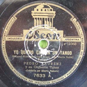 Yo quiero cantar un tango. Argentine music at Escuela de Tango de Buenos Aires.