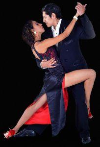 Escuela de Tango de Buenos Aires. Los mejores maestros en un solo lugar. Vení a prender a bailar.
