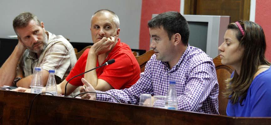Concejales del PSOE durante un pleno.